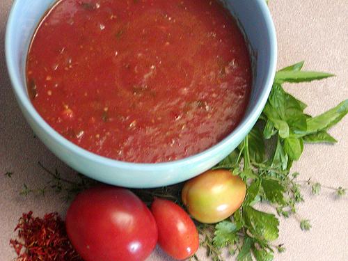 Как делают подливу из томатной пасты