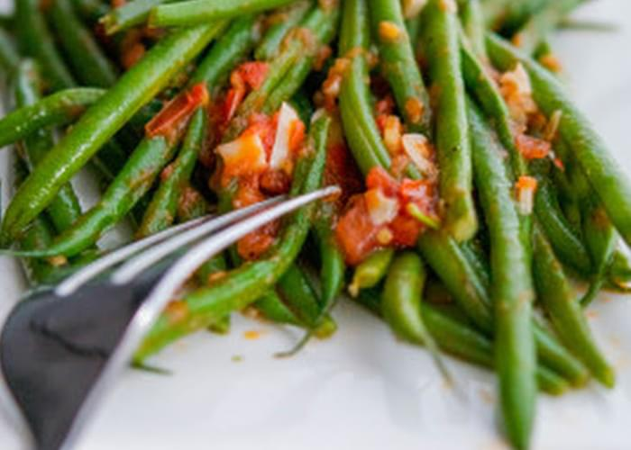 Green Beans with Tomato and Garlic (Olive Garden Copycat)
