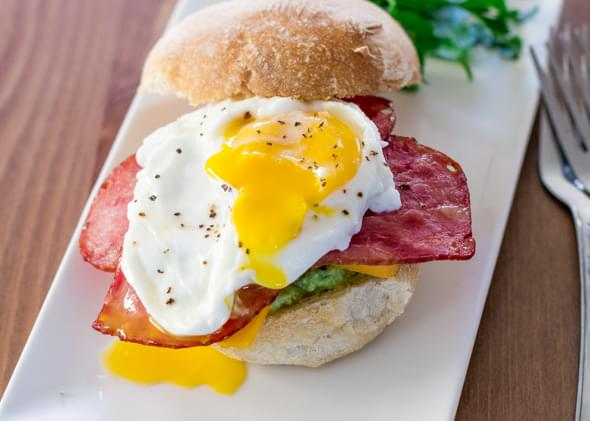 Smashed Avocado Bacon Breakfast Sandwiches
