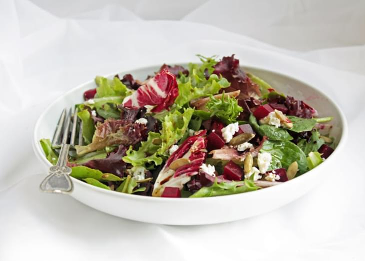 Detox Salad w/ Roasted Beets & Pumpkin Seeds