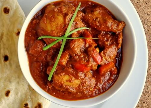 One Pot Tomato Yogurt Chicken Curry