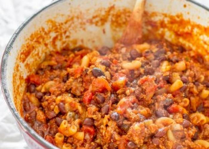 One Pot Quick Chili Pasta
