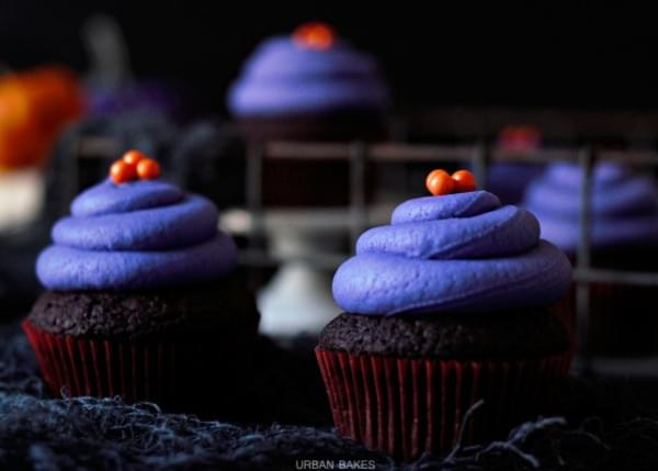 Halloween Vegan Chocolate Cupcakes
